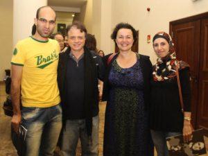 Ahmad Almazloum e Dana Al com Isaac Bernat e a Kelzy Ecard